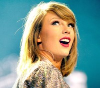 Taylor Swift will open the American Music Awards