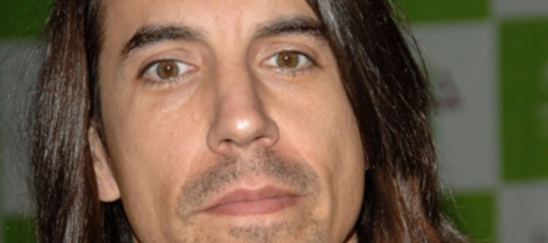 Red Hot Chili Peppers cancels show after their frontman is hopitalized
