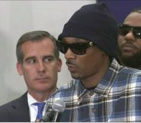 Snoop Dogg and The Game led a march to meet with LAPD Chief Charlie Beck