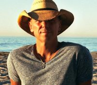 Kenny Chesney announces new album