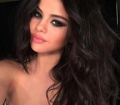 Singer Selena Gomez has decided to take a break due health issue