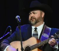 Country music star Daryle Singletary has died